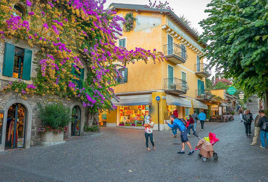 Family Snap, Sirmione, Lombardy, Italy