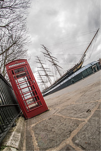 Greenwich - Cutty Sark & phonebox