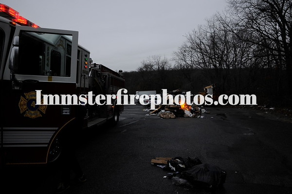 PLAINVIEW FD GARBAGE TRUCK DEBRIS FIRE