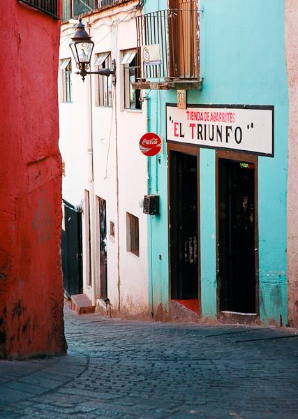 Tienda El Triunfo<br /> -Guanajuato, Mexico