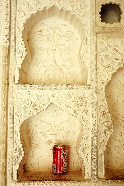 Litter at Amber Fort<br /> -Jaipur, India