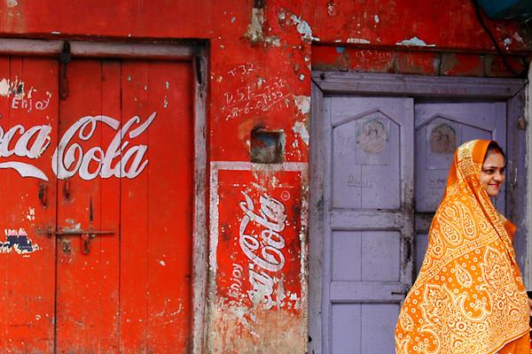 Woman in a Sari<br /> -Agra, India