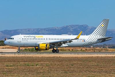 Vueling Airbus A320-214 EC-LVO 7-18-19