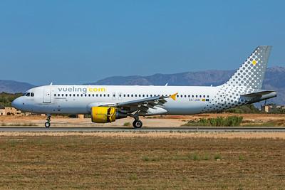 Vueling Airbus A320-214 EC-JGM 7-18-19