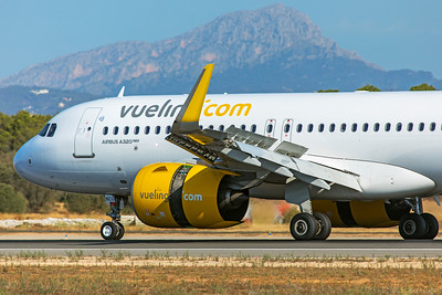 Vueling Airbus A320-271N EC-NCG 7-18-19