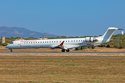 Air Nostrum Bombardier CL-600-2E25 CRJ-1000 9H-LOJ 7-18-19
