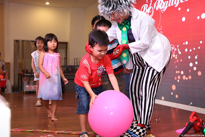 birthday-party-roving-photography-WefieBox-Photobooth-Vietnam-Chup-hinh-lay-lien-in-anh-lay-ngay-049