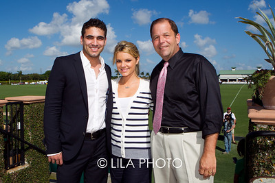 Roberto Martinez and Ali Fedotowsky, John Wash