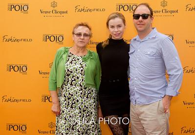 Katya Ryabchemko, Lesya Ryabchemko and Jim Damaska.