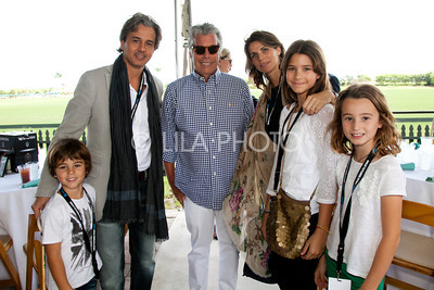 Justo, Fernando Iraola, Neil Hirsch, Lola, Francisca & Antonia Iraola
