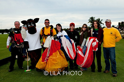 """LEAPDOGS"" Skydiving Team ;photography by: LILA PHOTO"
