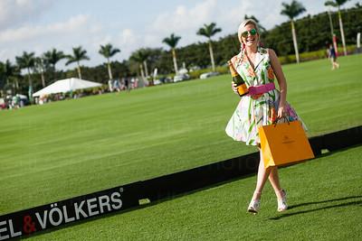 Fashion on the Field Winner, Leot Taylor