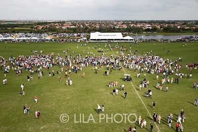 Crowd Overview from Helicopter