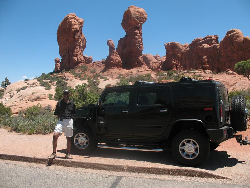 Hummer H2 at Arched National park