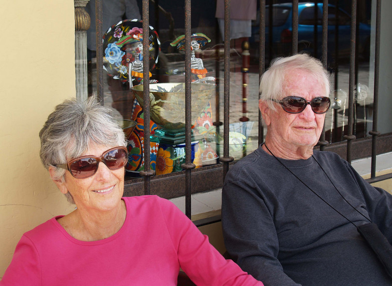 Our new San Miguel friends, Elaine and Thom