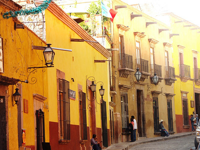 San Miguel de Allende's picturesque cobblestone streets and colonial architecture have inspired generations of artists.