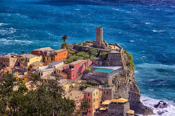 Lookout at Vernazza village, Cinque Terre, Italy.