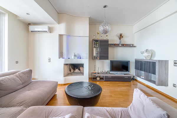 BUILDING WITH APARTMENTS, Ano Glyfada