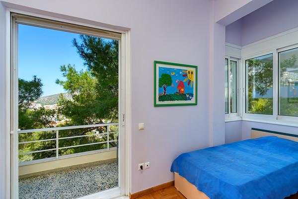 Luxury Flat, Saronida