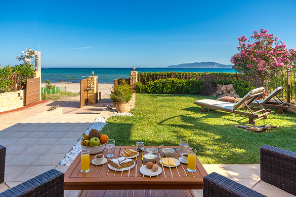LUXURY VILA, Artemida, Greece