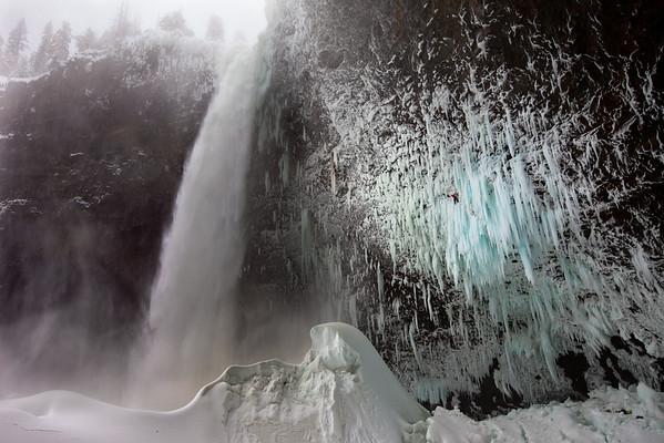 Will Gadd - Helmcken Falls, BC - Canada