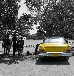 Belle américaine sur la plage de Siboney