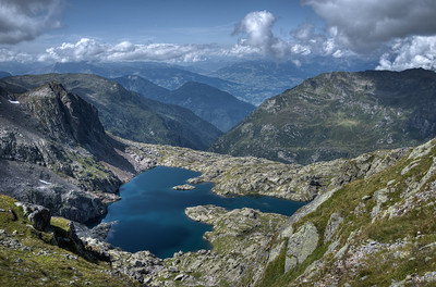 Between Planpraz, black lakes (Lacs noirs) and the Index. Lac Cornu seen from le Col de la Glière.