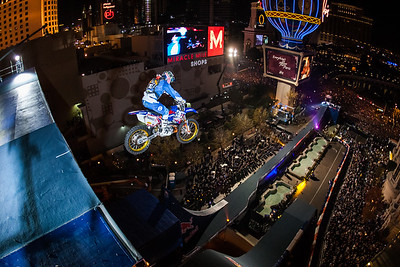 REB BULL NEW YEARS NO LIMITS - December 31, 2008 - DATE