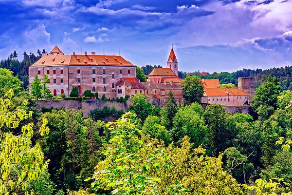 Bitov castle
