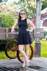 2016_Hanna-Robson_Senior-Photos-26_Final_5x7