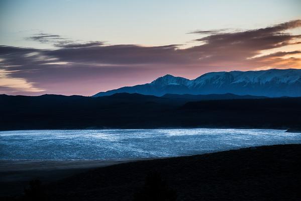 Crowley Lake - Sierra nevada mountains, California