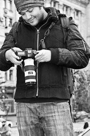 CHECKING THE CAMERA SCREEN - Kiev, Ukraine  Thanks FHB for the photo! ;^)
