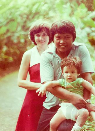 MOM, DAD & ME - Honolulu, HI, USA  How amazing is this photo?  Too bad I look so dazed.