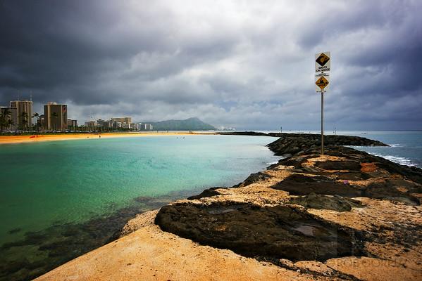 MAGIC ISLAND - Honolulu, Hawai'i, USA