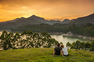 CUTE COUPLE ENJOYING THE SUNSET - Munnar, India