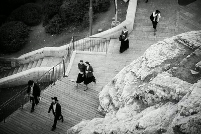 PEOPLE WALKING - Jerusalem, Israel