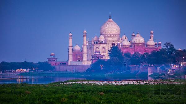 VIEW OF THE TAJ MAHAL AT TWILIGHT - Agra, India