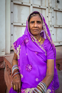 WOMAN AT THE AGRA FORT - Agra, India