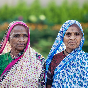SISTERS - Delhi, India  Okay, so I don't really know if they're sisters... but I'm kind of figuring it's a safe bet.