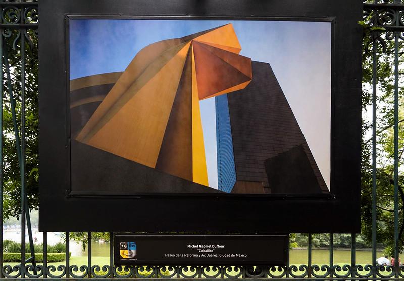 """Exposition Collective sur le """" Paseo de la Reforma""""  Mexico City."""