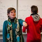 JEANNETTE FLEMING D'ANGLETERRE : Janet Fleming, une pionnière<br /> Elle est arrivée à Sciences Po, au Palais Universitaire, en 1981 un peu comme une « réfugiée politique » fuyant l'ultralibéralisme de Thatcher. Aujourd'hui enseignante certifiée au Collège international de l'Esplanade, Janet Fleming est une pionnière de l'Europe, avant Erasmus, avant Schengen, avant l'UE. A Strasbourg, elle aime cette passerelle entre les deux rives du Rhin qui a une vraie valeur de symbole. Mais la mer lui manque…