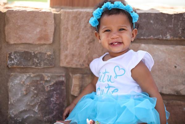 Lilly 1yr Photos-11