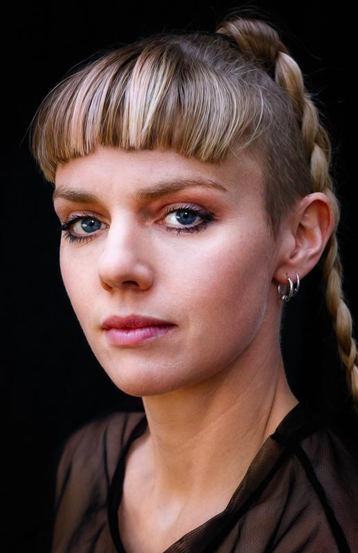 Olivia Crow - Headshots & Portraits (lo-res)--9