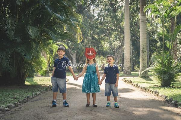 Sylvia & Kids Colour
