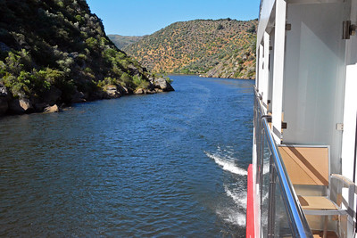 Scenic Views Along the Douro