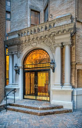 305 West 98 Street, Schuyler Arms