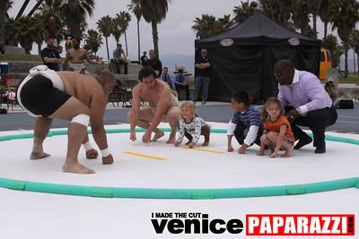 06 13 09  SUMO WRESTLING ON VENICE BEACH  United States sumo wrestlers U S  Championships   www ussumofederation org  www sumodan com   www sumoshimpo com   www usasumo com (8)