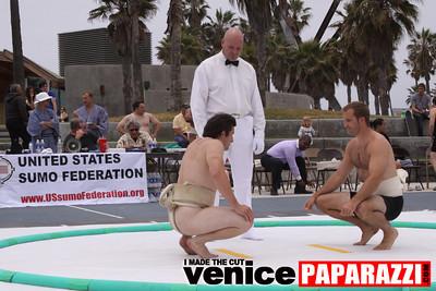06 13 09  SUMO WRESTLING ON VENICE BEACH  United States sumo wrestlers U S  Championships   www ussumofederation org  www sumodan com   www sumoshimpo com   www usasumo com (23)