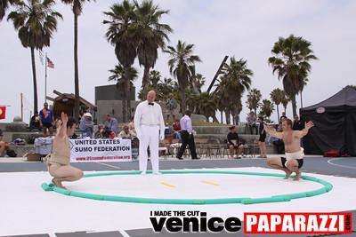 06 13 09  SUMO WRESTLING ON VENICE BEACH  United States sumo wrestlers U S  Championships   www ussumofederation org  www sumodan com   www sumoshimpo com   www usasumo com (22)
