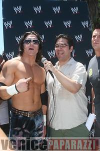 WWE   World Wrestling Entertainment in Venice Beach   08 09 08 (28)